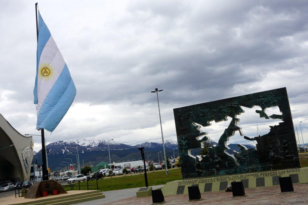 Argentine, Ushuaïa, monument hommage Malvina